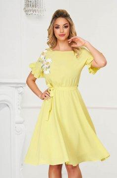 StarShinerS midi from elastic fabric with ruffled sleeves yellow dress cloche