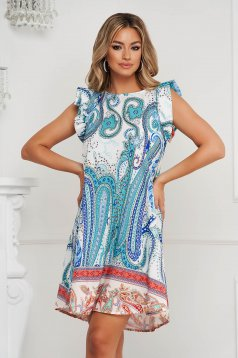Dress short cut loose fit airy fabric soft fabric with ruffled sleeves