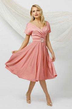 Lightpink dress cloche midi from satin with tie back belt