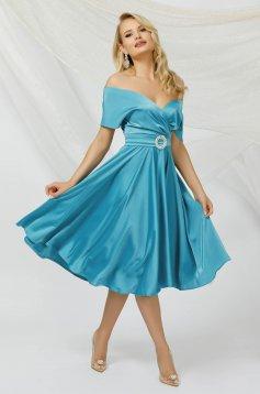 Lightblue dress cloche midi from satin with tie back belt