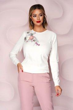 Pulover Lady Pandora alb tricotat cu croi larg cu flori in relief cu efect 3d
