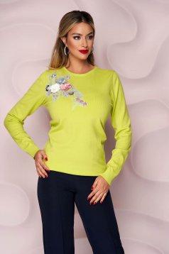 Bluza dama Lady Pandora verde-deschis tricotata cu croi lejer si flori in relief cu efect 3d