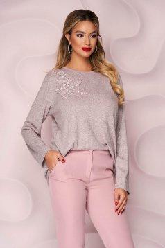Pulover Lady Pandora roz prafuit office cu croi larg din material tricotat elastic si subtire si broderie florala