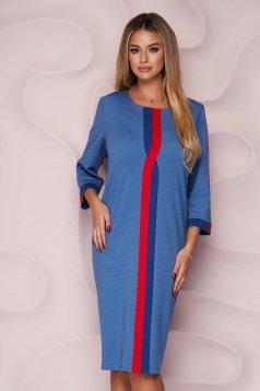 Rochie Lady Pandora albastra office cu un croi drept din material subtire si elastic si slit la spate