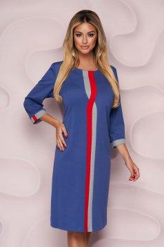 Rochie Lady Pandora albastru-inchis office cu un croi drept din material subtire si elastic si slit la spate