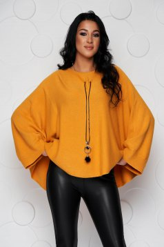Mustard sweater loose fit knitted fabric from elastic fabric casual accesorised with necklace