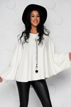 Ivory sweater loose fit knitted fabric from elastic fabric casual accesorised with necklace