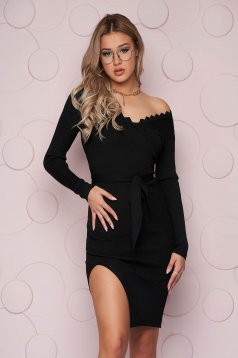 Black dress casual knitted fabric midi accessorized with tied waistband from elastic fabric
