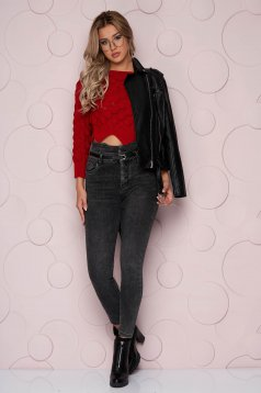 Black jeans skinny jeans high waisted denim from elastic fabric accessorized with belt