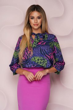 Bluza dama StarShinerS office cu croi larg asimetrica din material usor elastic cu guler tip esarfa cu imprimeu animal print