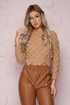Cappuccino sweater knitted fabric from elastic fabric with tented cut long sleeve short cut