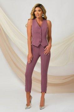 Pantaloni PrettyGirl roz office conici din material usor elastic accesorizati cu nasturi la terminatie