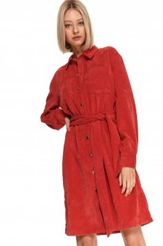 Rochie Top Secret rosie cu croi larg cu maneca lunga din material fin la atingere din catifea si cordon detasabil