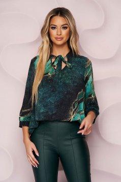 Bluza dama StarShinerS office cu croi larg asimetrica din material usor elastic cu guler tip esarfa cu imprimeuri grafice unice