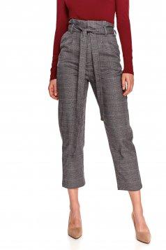Pantaloni Top Secret gri conici cu talie inalta in carouri cu cordon detasabil si buzunare laterale