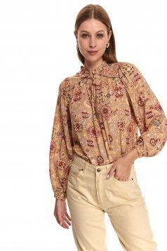 Bluza dama Top Secret roz prafuit cu croi larg cu snur din material subtire cu imprimeu floral